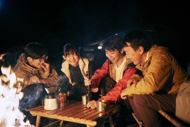 キャンプでコーヒーグラインダーを使う